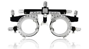 Augenoptiker Mönchengladbach Beratung Gleitsichtbrille Sportbrille Linsen Sonnenbrille